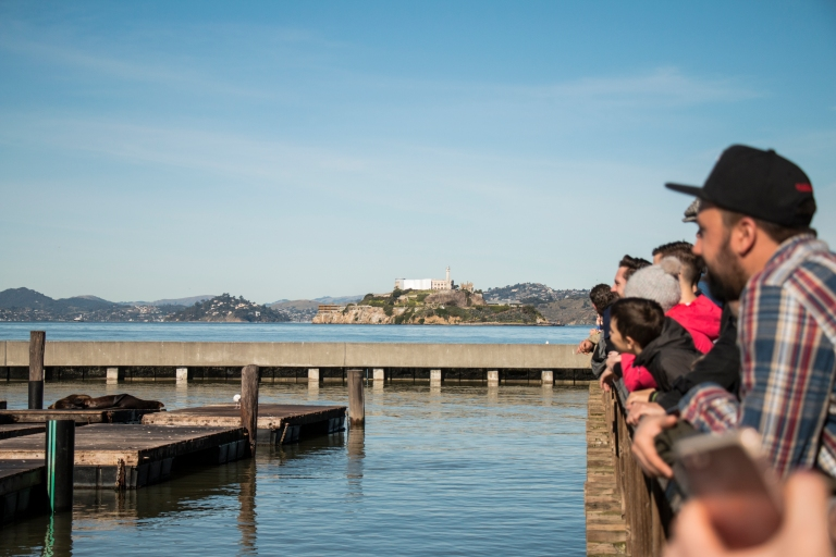 fishermans-wharf-crowd-seal-alcatraz-san-francisco