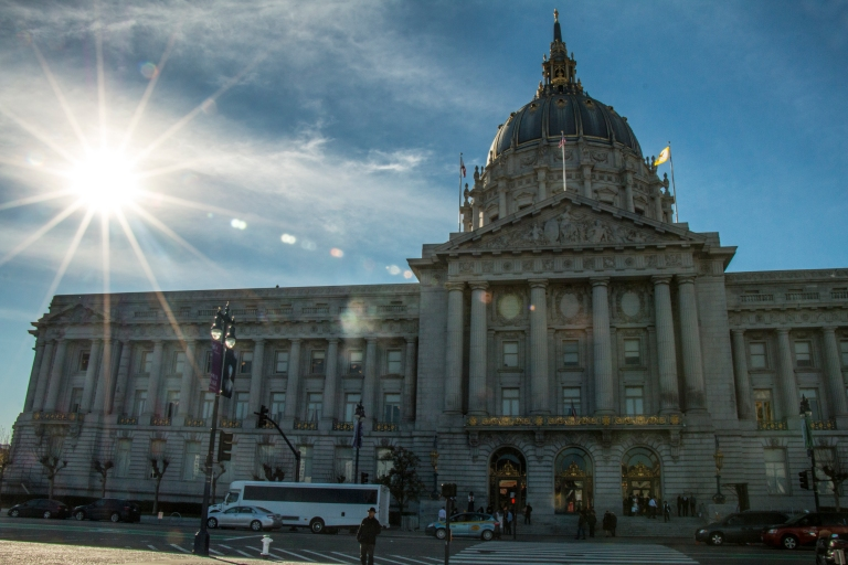starburst-city-hall-sky-blue-building-san-francisco