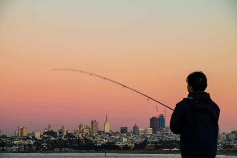 sunset-fishing-fisherman-skyline-buildings-san-francisco